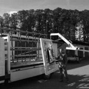 Transport okna - dźwig